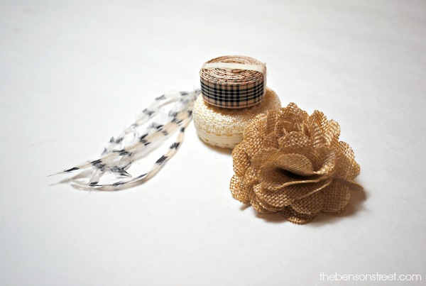 Easy to make Thanksgiving napkin rings at thebensonstreet.com