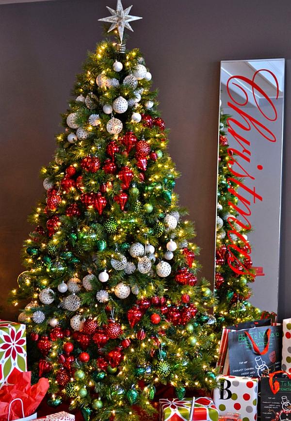 Ornaments-decorating-Christmas-tree