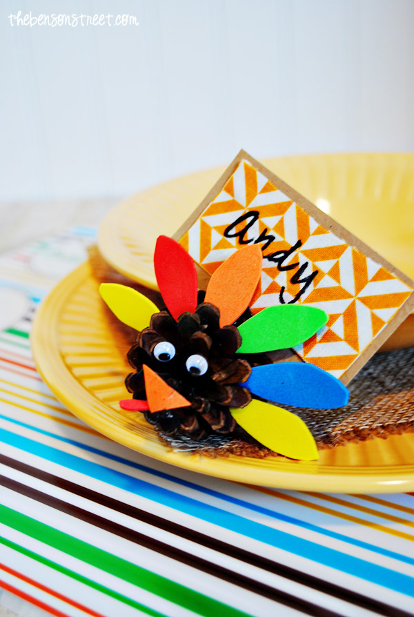 Pinecone-Turkey-Place-Card-Kid-Craft-at-thebensonstreet.com_