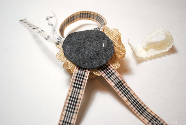 Sweet and easy ribbon napkin rings at thebensonstreet.com