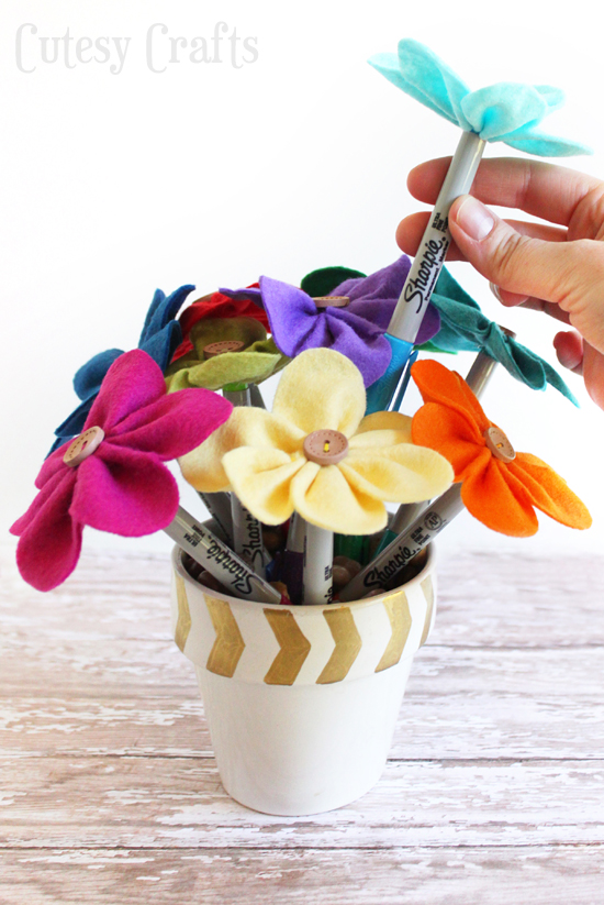 teacher-gift- flower- pens