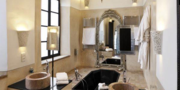 Suite 3 bathroom