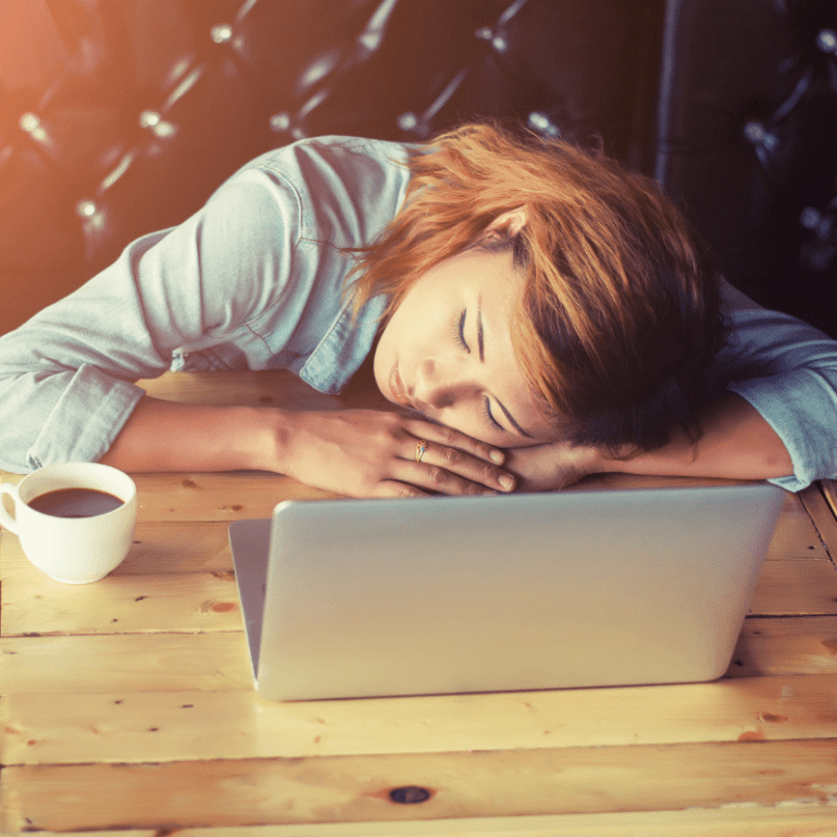 7 Modern Lifestyle Habits Doing the Most Damage to Your Brain