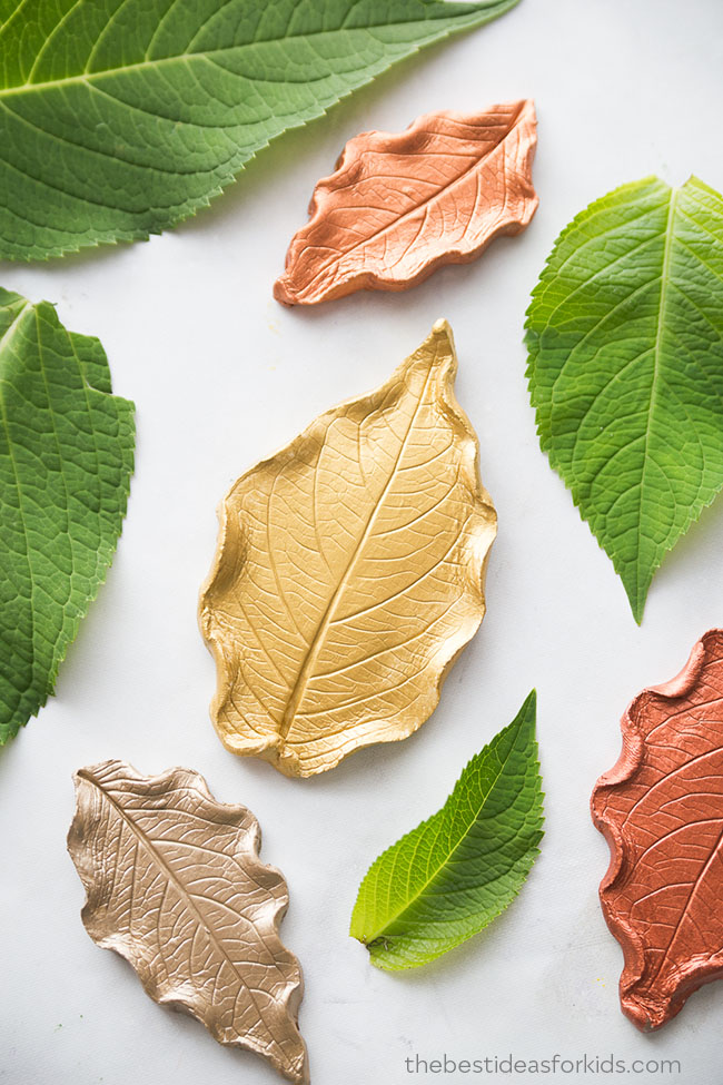Leaf Clay Dishes