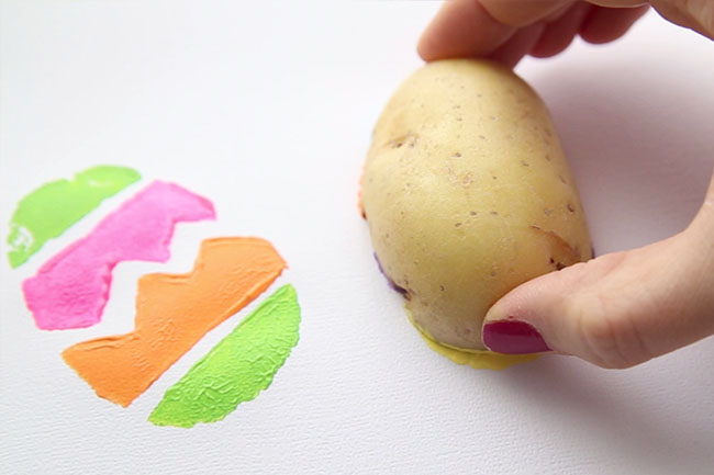Stamp Easter Eggs with Potatoes