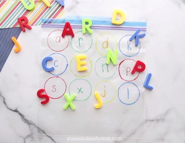 Add Letters to circles on Bag