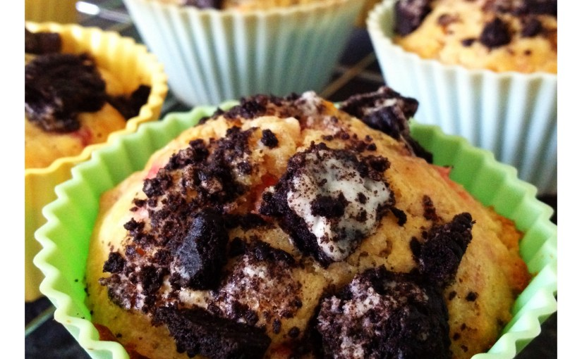 Cook Eat | Strawberry Oreo Muffins