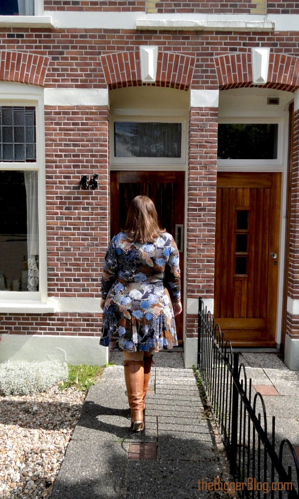 that's so '70s thebiggerblog skater dress size 20 H&M plussize fashion blog 70's style