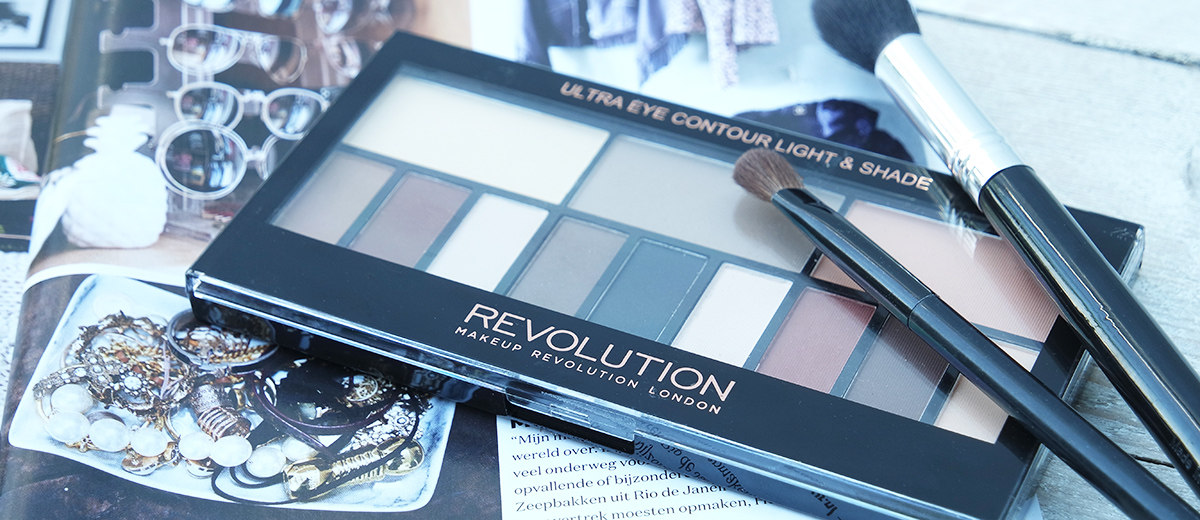 review: Ultra Eye Contour Light & Shade palette