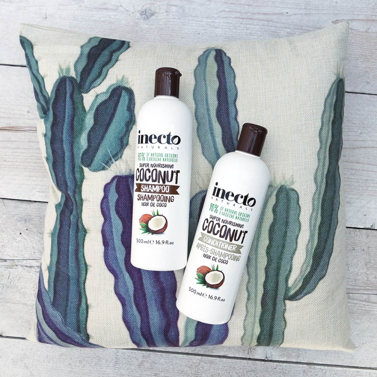 inecto shampoo, inecto conditioner, inecto review, holland and Barrett, natural ingredients, cruelty free, against animal testing, coconut frangrance, beauty blog, soft hair, thebiggerblog, blogger, shampoo review, inecto hair products