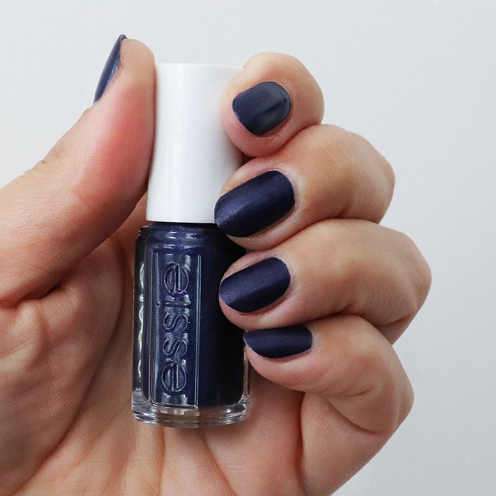 leather effect nail polish van Essie