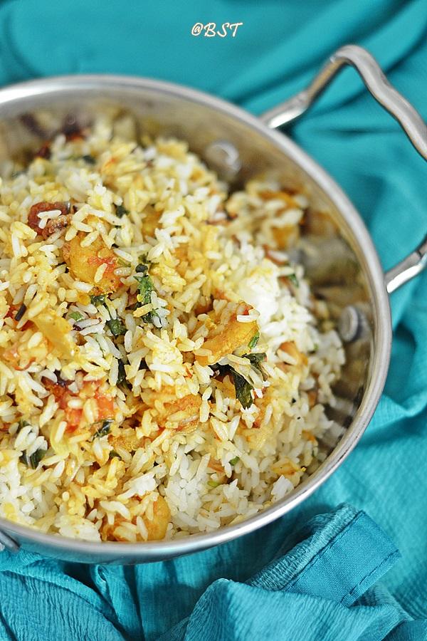 Thalassery Chemmeen Biriyani ~ Thalassery Style Prawn Biriyani
