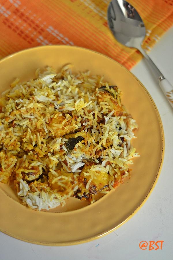 Dum Aaloo Biriyani ~ Potato Biriyani