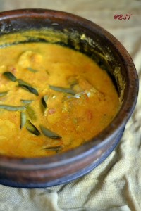 Thenga Aracha Meen Curry ~ Malabar Fish Gravy with Fresh Coconut Paste