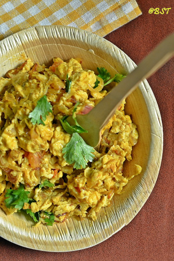 Akuri ~ Parsi Scrambled Eggs