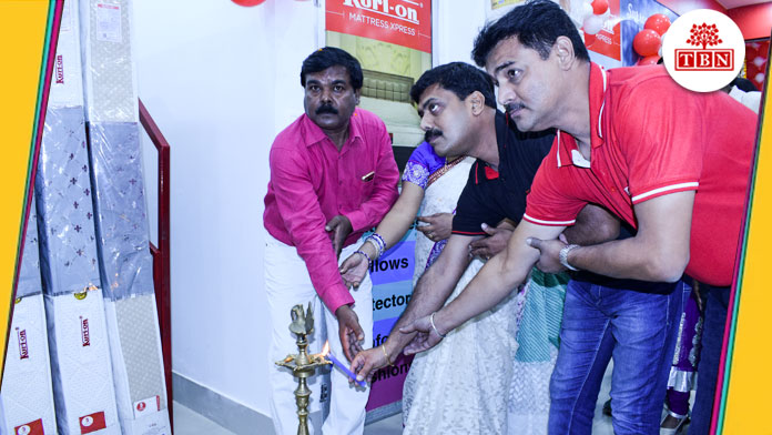 TBN-inauguration-of-curtain-on-695th-showroom-at-gola-road-the-bihar-news