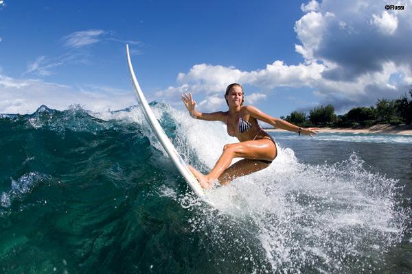 Alana-Blanchard-Surfing on her bikini