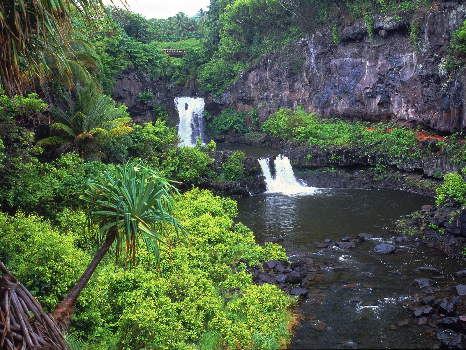 Maui-Waterfall-Stunning-Crystal-Clear-Water