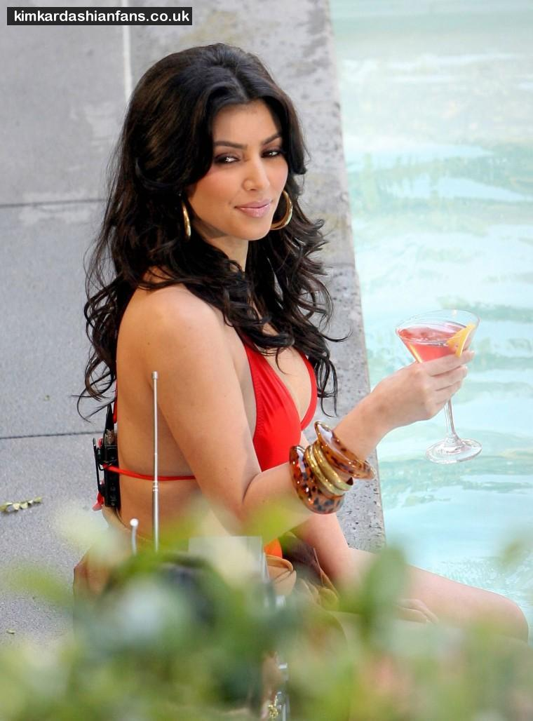 kim-kardashian-red-bikini-bikini