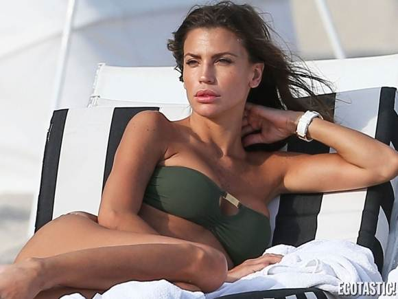 Claudia Galanti-Green-Thong-Bandeau-Bikini-Top