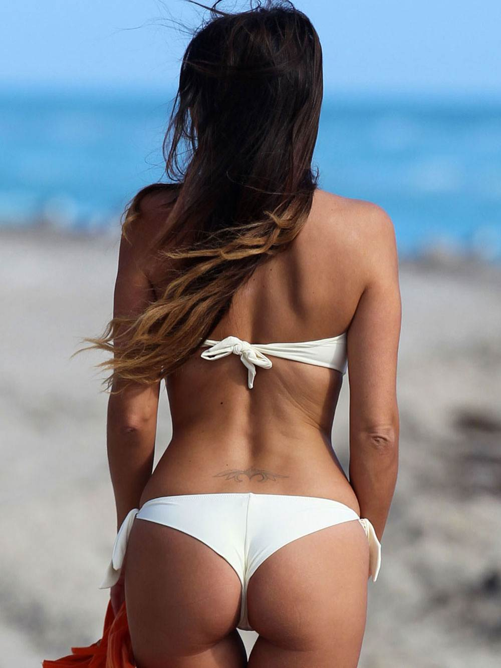 CLAUDIA ROMANI -Sexy White Thong Bikini-Beach
