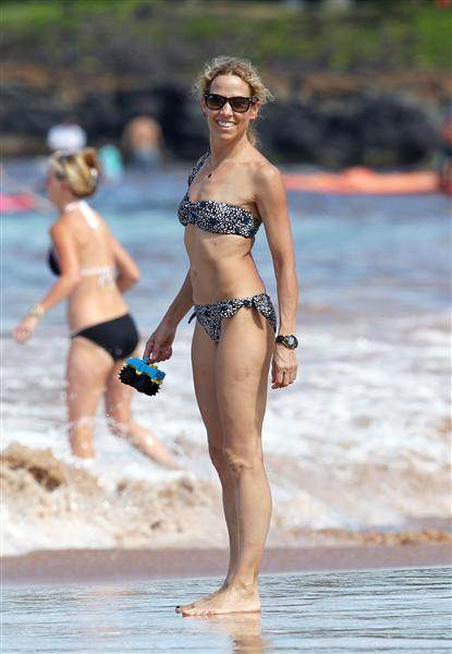 Bikini Bodies over 40 Sheryl Crow age 50
