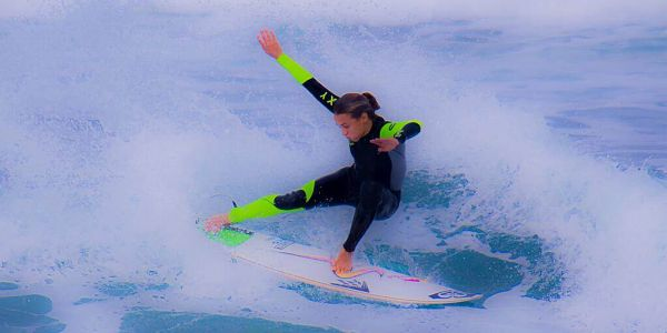 Sally FitzGibbons_Surfing-In-Action