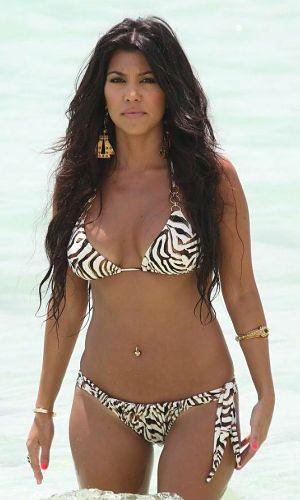 kourtney-kardashian-Zebra-Print-String-Bikini
