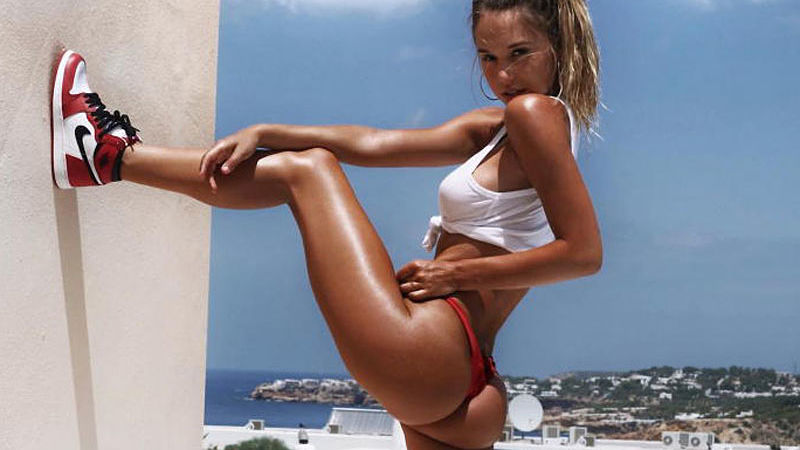 alexis-ren-Sports-Illustrated-3