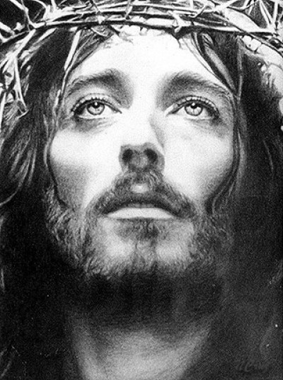jesus-wearing-the-thorn-of-crowns
