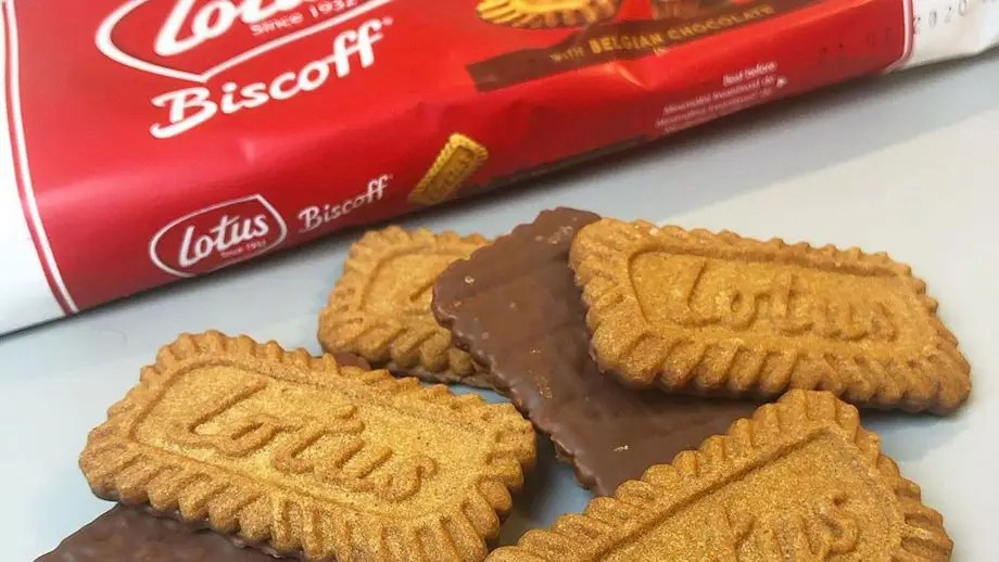chocolate covered lotus biscuits