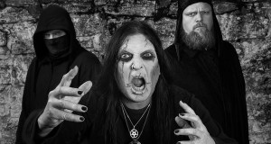 "Crest Of Darkness premiere new Video ""The God Of Flesh"""