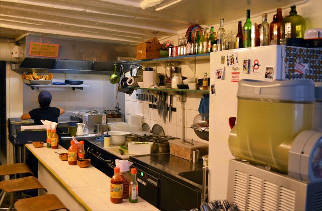 1felipe-terrazzan-the-blind-taste-food-blog-gourmand-cuisine-culinary-recette-recipe-guide-restaurant-paris-new-york-sao-paulo-fooding-receitas-gastronomia-cozinha-delicious-easy-tasty-facile-candelaria-glass-paris-3-marais-restaurant-tacos-tapas-mexicain2