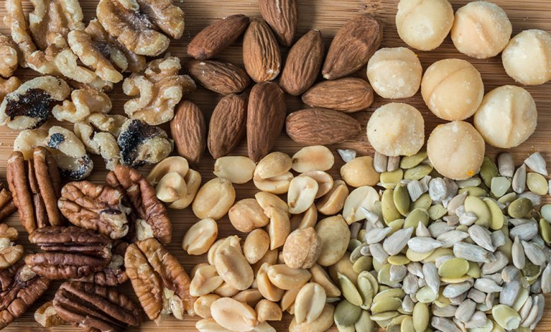 The advantages of seeds and nuts for women fertility