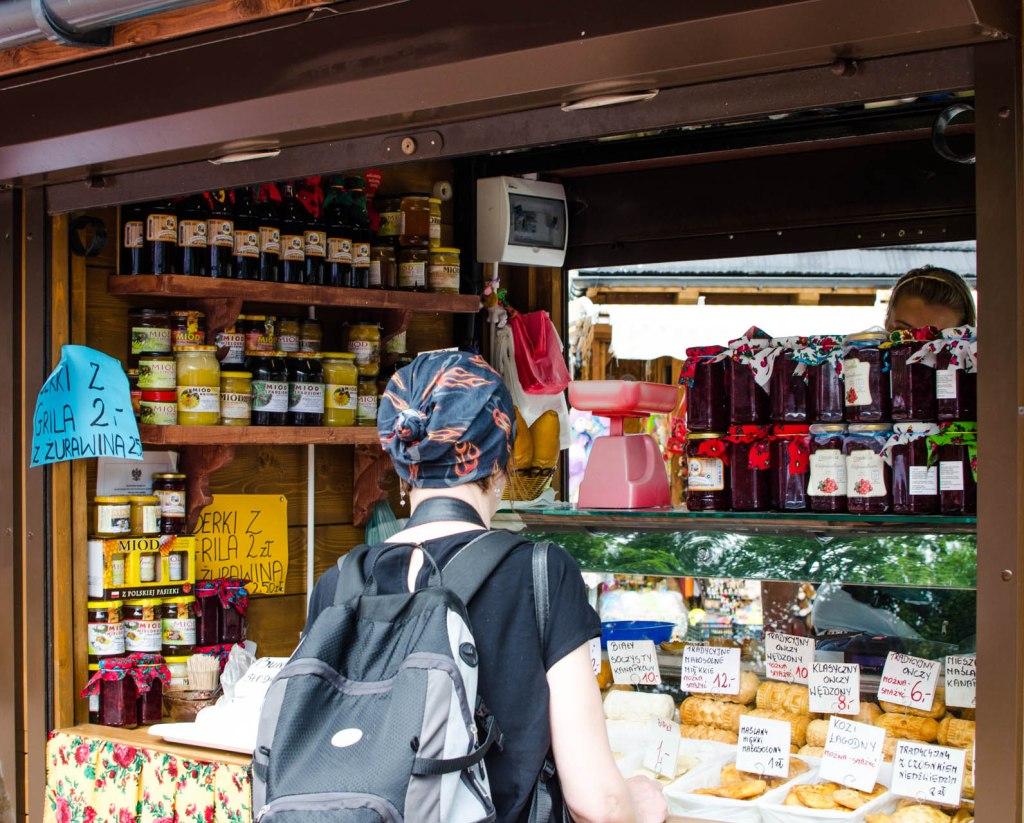 Zakopane-cheese-stall-Krupowki