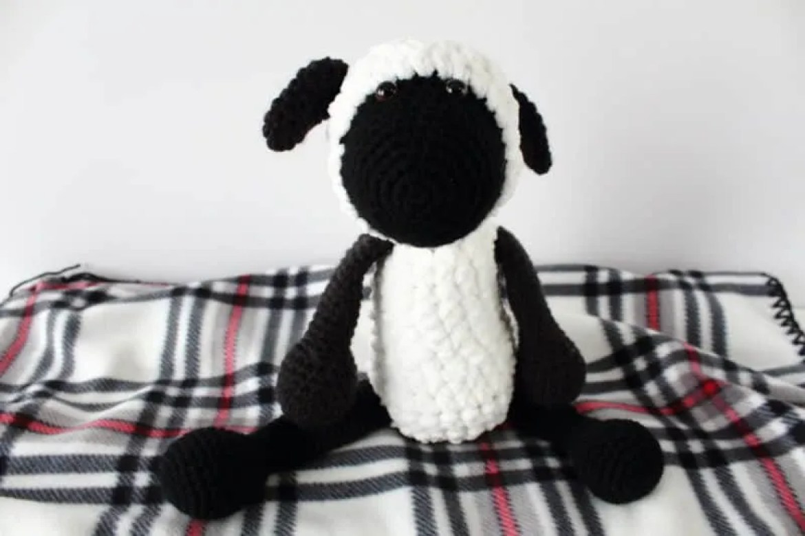 Sammy the Crochet Sheep: Free Amigurumi Pattern |