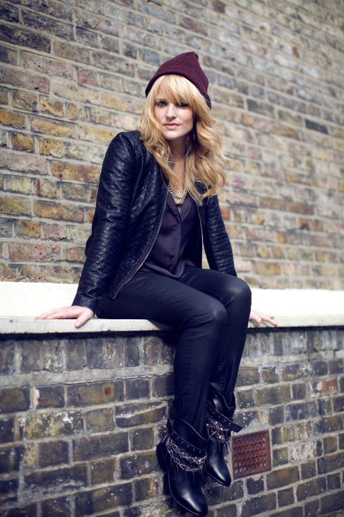 Elles Bailey - Jonathan Daniel Pryce