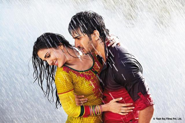 'Shuddh Desi Romance' review: A soulful take on modern day love!