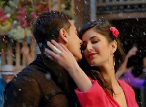 Aamir & Katrina launch Dhoom 3 merchandise!