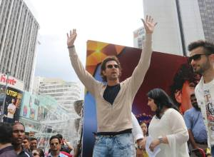 IIFA 2015: Hrithik dances with fans at the Pavilion Mall in Kuala Lampur