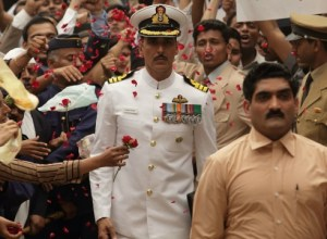 Rustom: Good storytelling & solid performance from Akshay Kumar