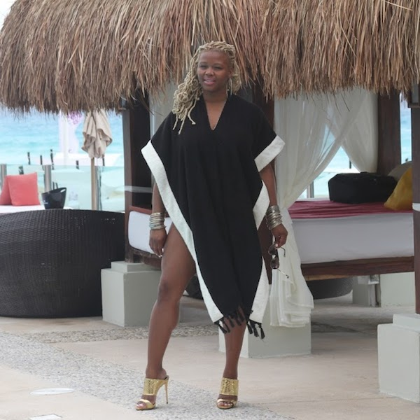 2 Mexico Style Diary- A Lisa Marie Fernandez Terry Cloth Cover Up and Giuseppe Zanotti Gold Mules