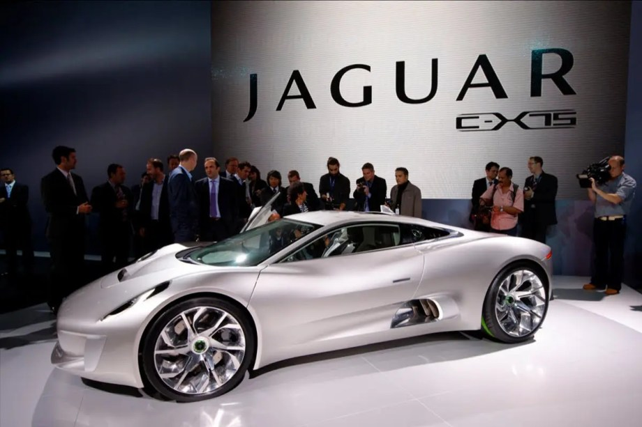 Bond vs. Bad – Jaguar C-X75 hypercar to be featured in SPECTRE