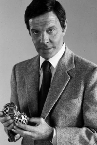 octopussy_louis_jourdan_publicity_shot