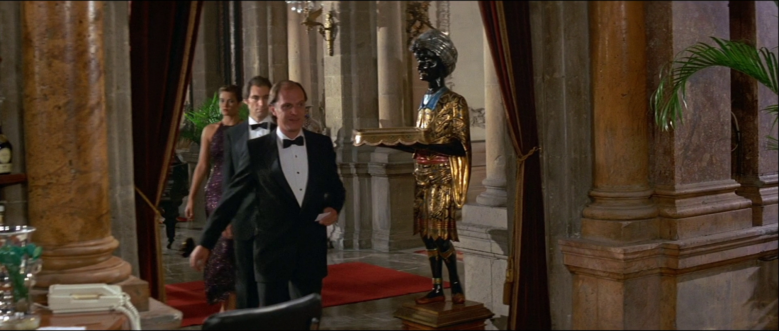 When Bond enters the Casino in Isthmus, a Blackamoor table statue is seen in the first shot