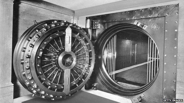 """The vault in Midlands Bank used in """"Goldfinger"""""""