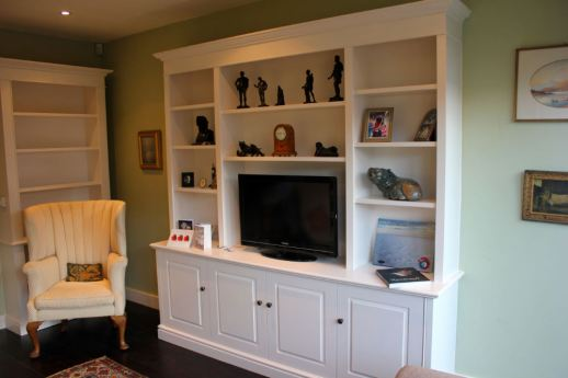 Freestanding media unit in London