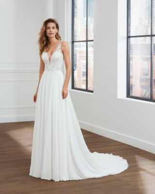 what is a bridal trunk show?
