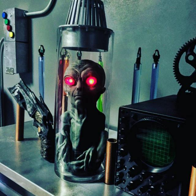 Alien Escape room in wilmington North Carolina, The Breakout Room