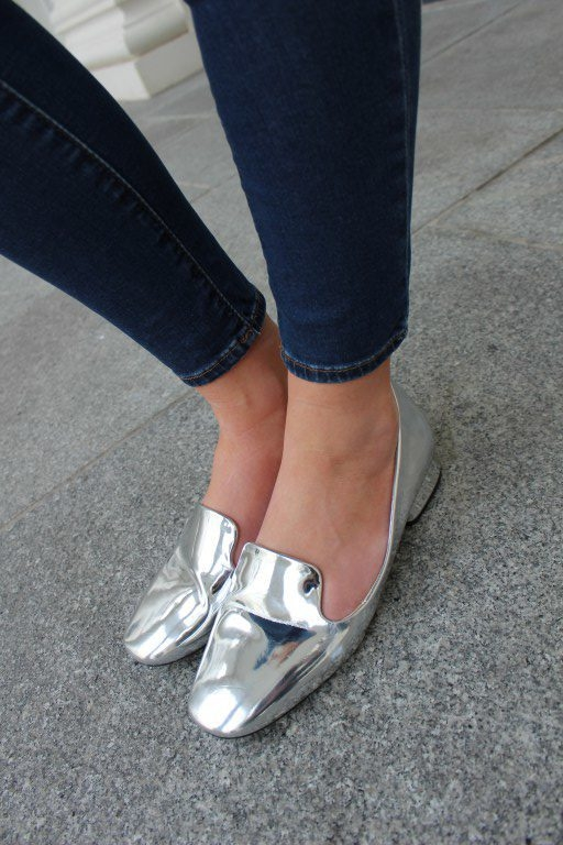 Silver-Shoes-Zara-Loafers-My-Style-Blog-2-e1470910312885